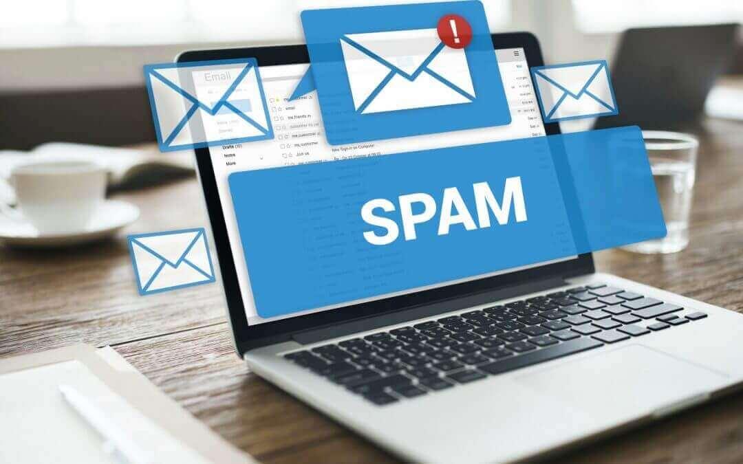 Hvorfor ender mine nyhedsbreve i SPAM-folderen