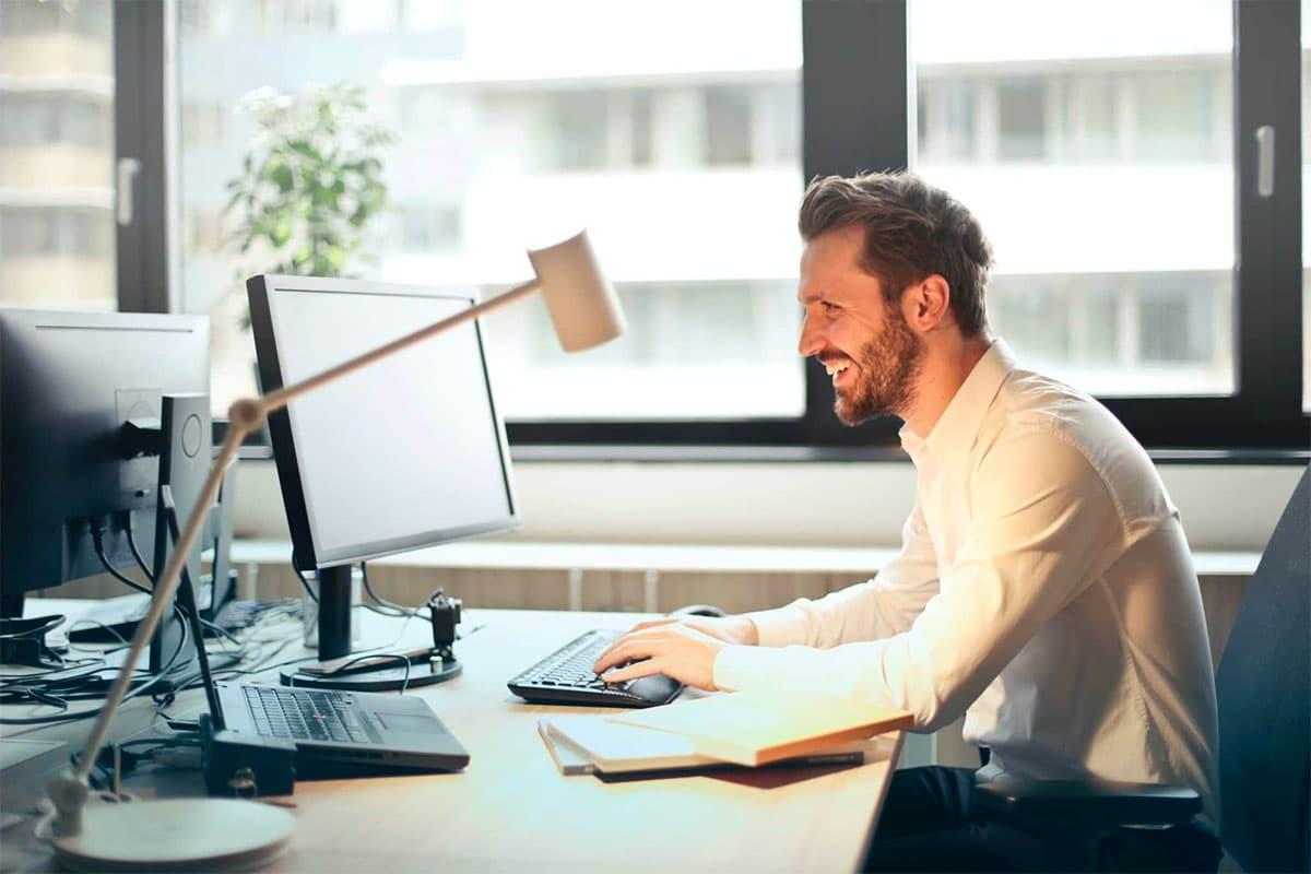 Customer working at PC